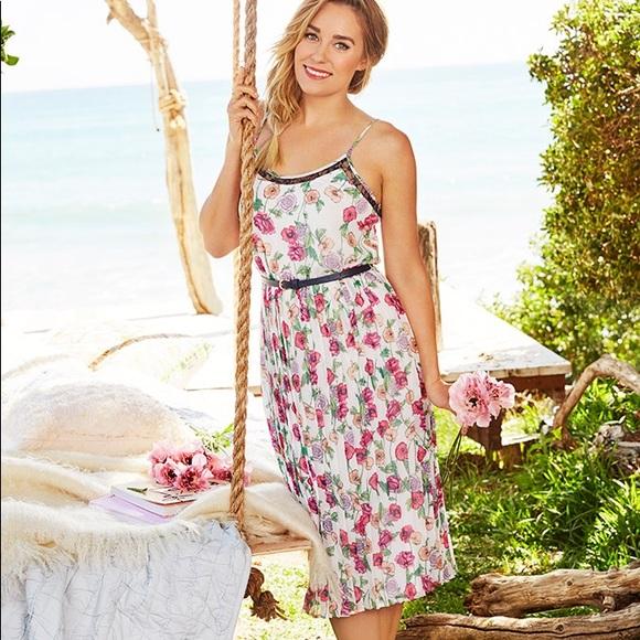 5d7c331a5b4 LC Lauren Conrad Pleated Floral Midi Dress